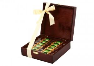 Zestaw świąteczny nr 28 Skrzyneczka z czekoladkami