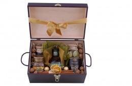 Zestaw świąteczny nr 85 Średni kufer z Bourbonem