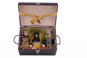 Zestaw świąteczny nr 22 Średni kufer z Bourbonem