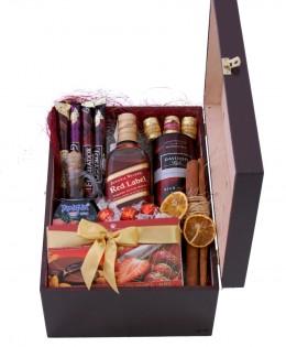 Zestaw świąteczny nr 86 Średnia skrzynia z Whisky